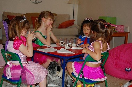 How You Should Dress Your Little Girl On Thanksgiving