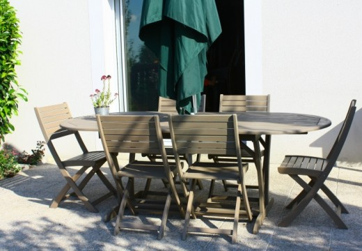 Tips For Buying Timber Outdoor Furniture
