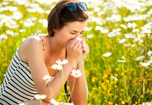 Symptoms Of Hay Fever: 8 Natural Remedies To Relieve
