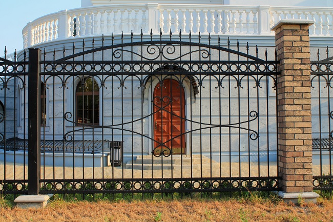 Points To Remember About Having Security Fence At Your Place