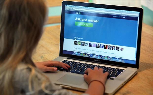 ask.fm tracker