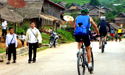 Enjoy Life In The Serene Ambiance Of Mesmerizing Laos