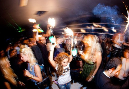 Bottle Sparklers In Nightclubs: Are They Safe?