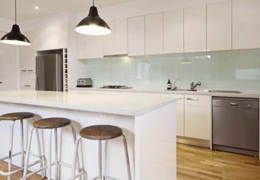 What Are The Different Kinds Of Splashbacks Available In The Market?