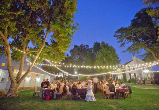 A Friday Wedding: Pros and Cons