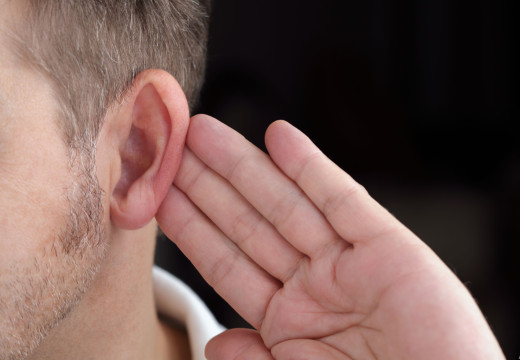 4 Signs Your Family Member May Have Hearing Loss