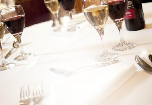 Managing The Costs Of A Restaurant's Linen Service