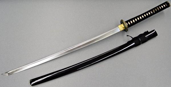 Do You Want To Own A Traditional Japanese Sword? A Few Points To Consider