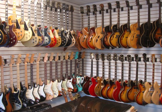 7 Tips To Consider When Purchasing The Guitar