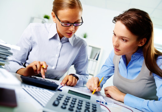 Pros and Cons Of Being An Accountant