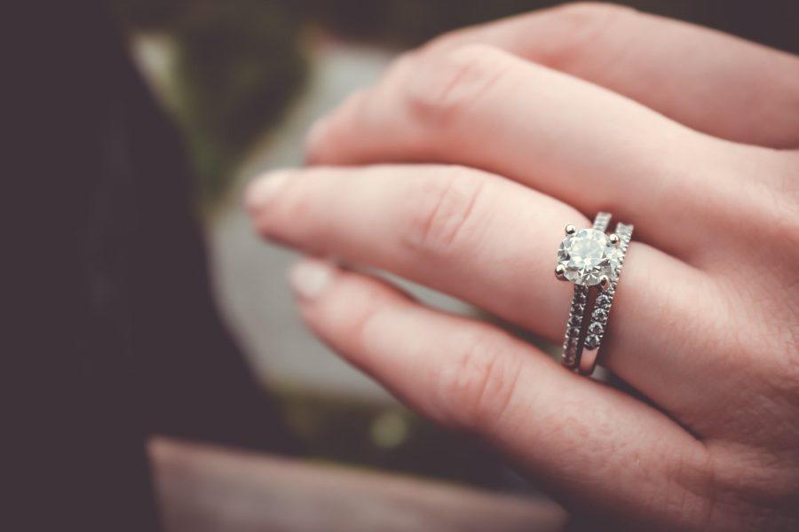 Opt For Diamond Jewellery This Festival and Wedding Season
