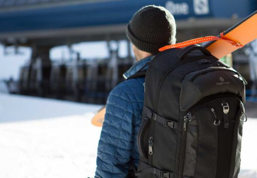 Top 6 Essential Things to Pack for Train Journey